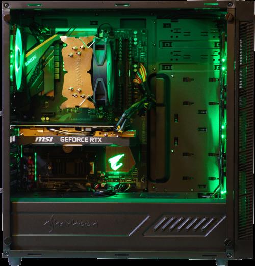 Open computerbehuizing met onderdelen