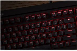 CORSAIR Gaming STRAFE Mechanical - Cherry MX Red